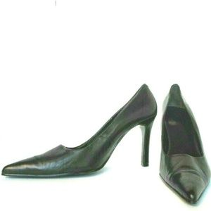 Women's Nine West Black  Leather Pointed Toe Pumps
